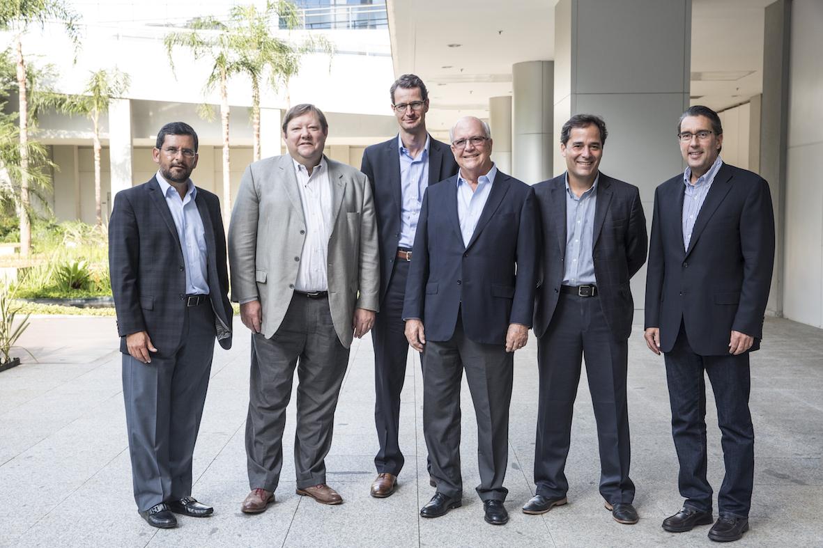 Da esquerda para direita: Gustavo Ruiz, Donald W. Layden, Kai Schmitz, Kenneth Johnson, Luiz Antonio Sacco e Luis Sotillo.