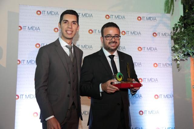 O diretor de conteúdo e produtos da IT Mídia, Vitor Cavalcanti, e o diretor de Tecnologia e Atendimento da SulAmérica, Cristiano Barbieri